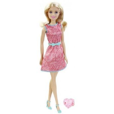 barbie_com_anel_rosa_claro_1