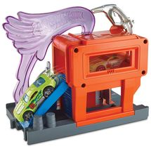 hot-wheels-posto-de-gasolina-conteudo