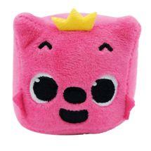 baby-shark-cubo-pelucia-musical-rosa-coroa-conteudo