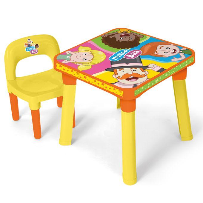 mesinha-com-cadeira-mundo-bita-conteudo